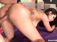 Horny Yurizan Beltran is having unforgettable sex