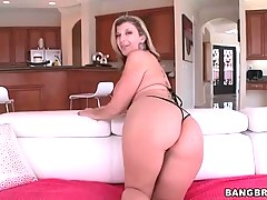 Sexy mature slutie in mini bikini acts i...