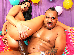 Oji hooks up this hot slut with an power steaming blast of New Year cum right in the face