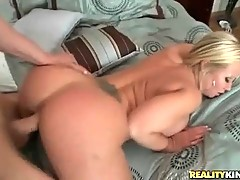 Tough dude deeply cockattacks booty blonde chick.