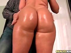 This amateur dude is playing with her big ass